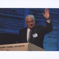 Tom Golisano Waving at the Clinton Global Initiative Photograph c.2007 Box17F13.jpg